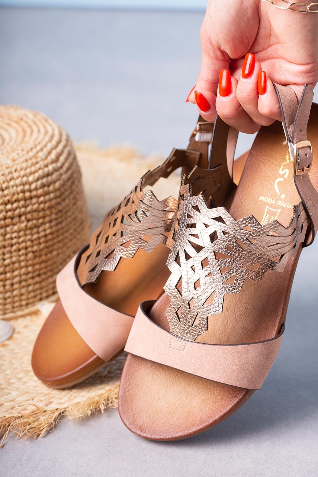Różowe sandały ażurowe błyszczące płaskie Casu K20X7/P