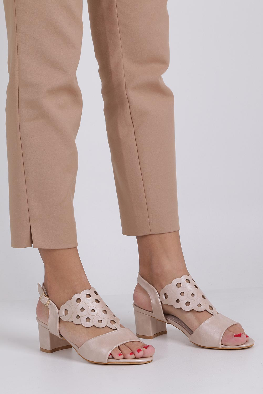 Różowe sandały ażurowe na niskim obcasie ze skórzaną wkładką Casu K19X3/P sezon Lato