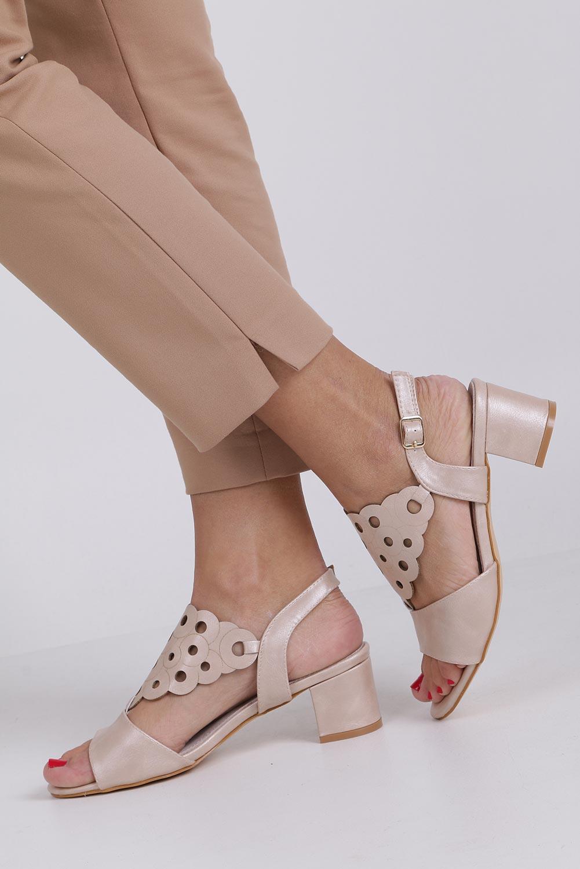 Różowe sandały ażurowe na niskim obcasie ze skórzaną wkładką Casu K19X3/P style Ażurowy