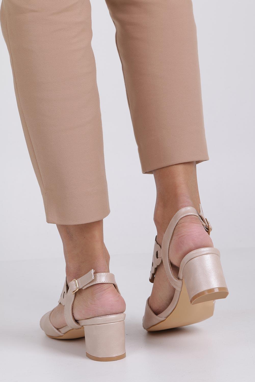 Różowe sandały ażurowe na niskim obcasie ze skórzaną wkładką Casu K19X3/P kolor jasny różowy