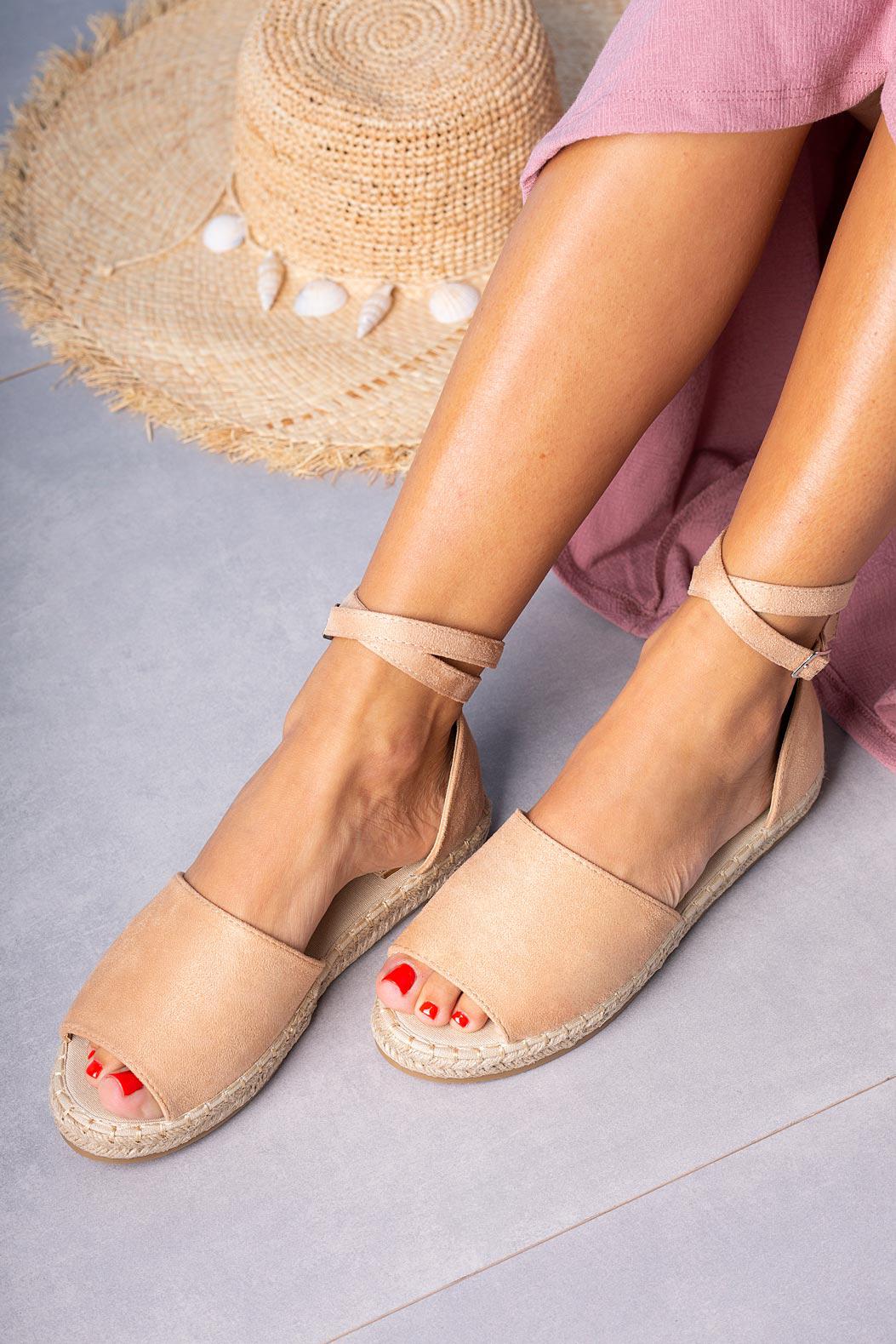 Różowe sandały espadryle z zakrytą piętą i paskiem wokół kostki Casu A20X5/P jasny różowy