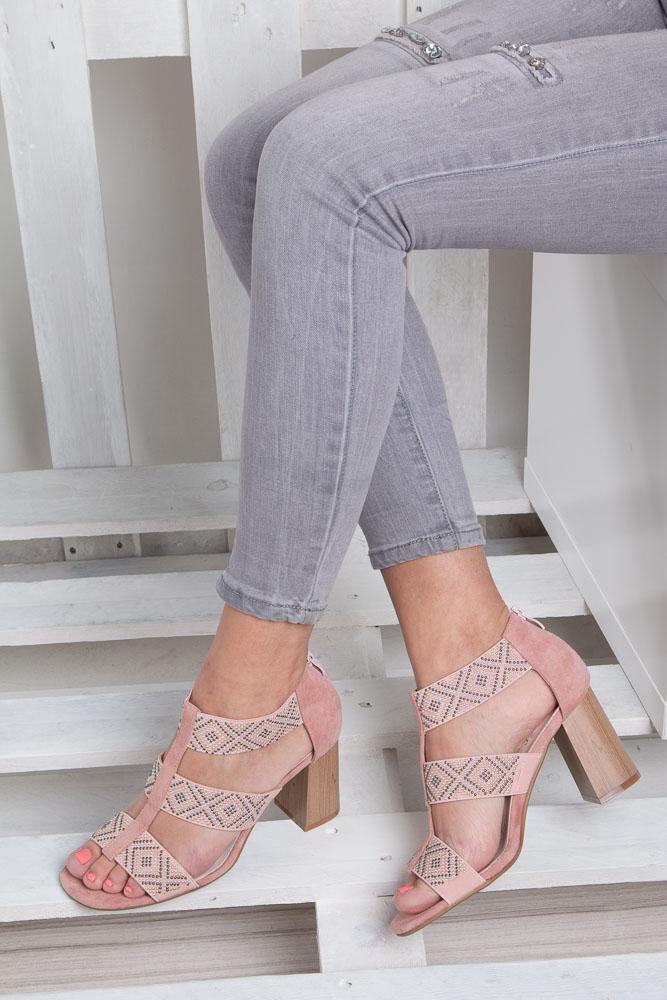 Różowe sandały na obcasie z ozdobnymi nitami Jezzi SA123-3 wnetrze skóra ekologiczna
