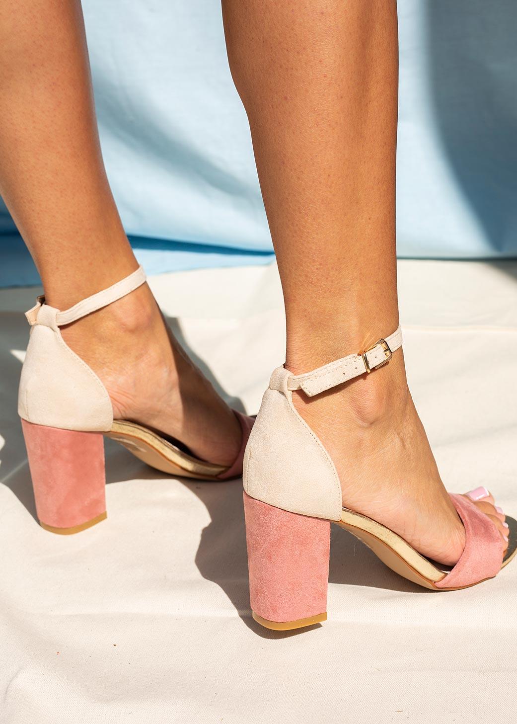 Różowe sandały na słupku z zakrytą piętą paskiem wokół kostki ze skórzaną wkładką Casu ER20X2/P model ER20X2/P