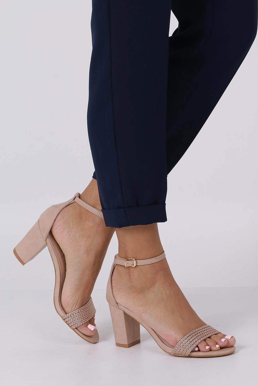 Różowe sandały nude na słupku z zakrytą piętą pasek wokół kostki skórzana wkładka Casu R19X9/N kolor jasny różowy, miedziany