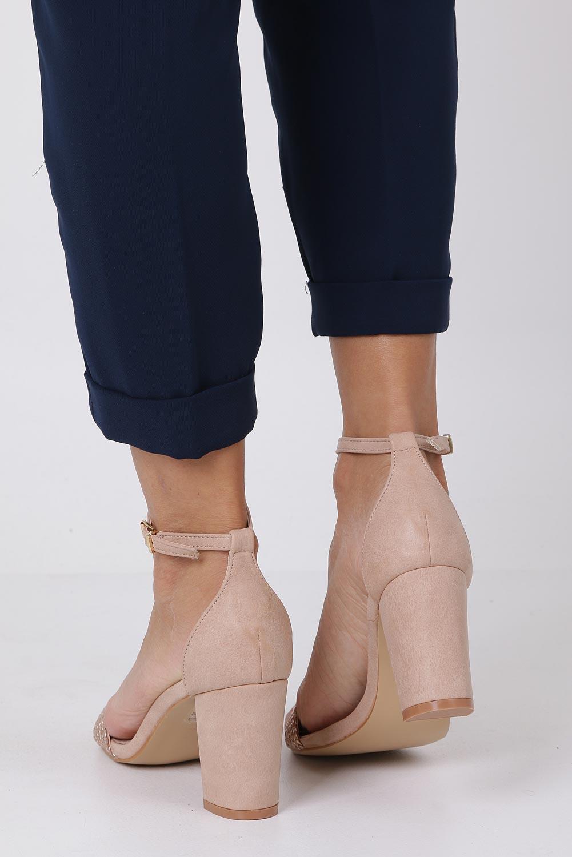 Różowe sandały nude na słupku z zakrytą piętą pasek wokół kostki skórzana wkładka Casu R19X9/N wysokosc_obcasa 8 cm