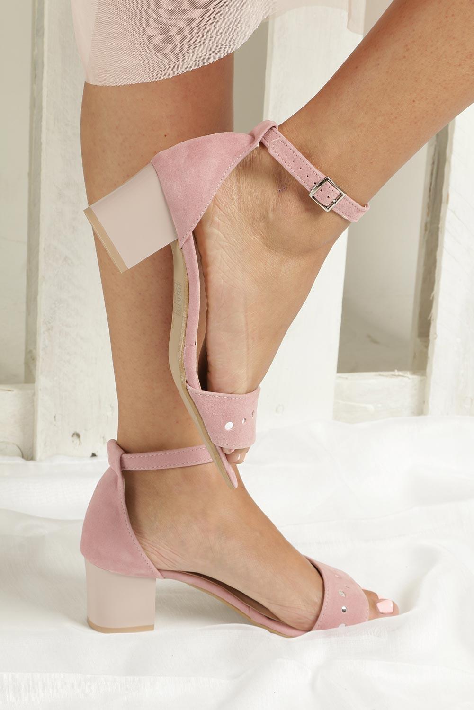 Różowe sandały z paskiem wokół kostki na niskim obcasie Casu 1973 wierzch skóra ekologiczna - zamsz