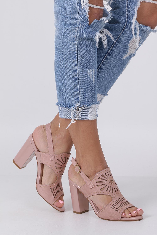 Różowe sandały zabudowane z nitami ażurowe na słupku Sergio Leone SK852 sezon Lato