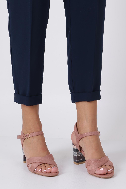 Różowe sandały ze skórzaną wkładką na szerokim ozdobnym obcasie paski na krzyż Casu N19X3/P sezon Lato