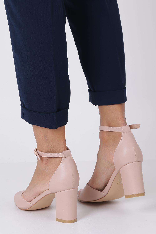 Różowe sandały ze skórzaną wkładką z zakrytą piętą i paskiem wokół kostki Casu N19X4/P wysokosc_obcasa 7.5 cm