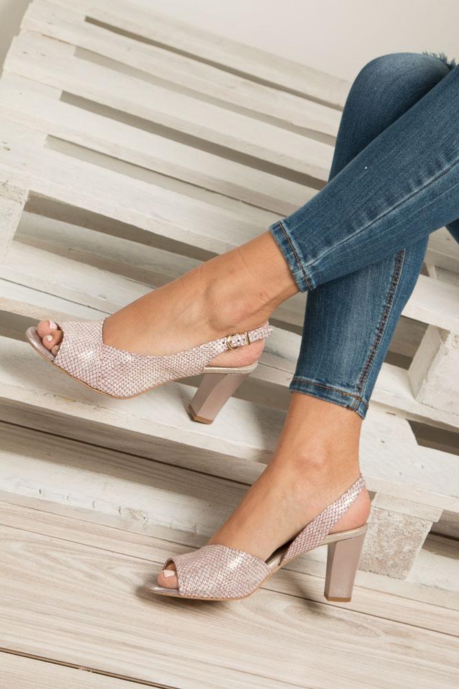 Sandały pudrowy róż skórzane błyszczące na obcasie Kordel 1662 wys_calkowita_buta 13.5 cm