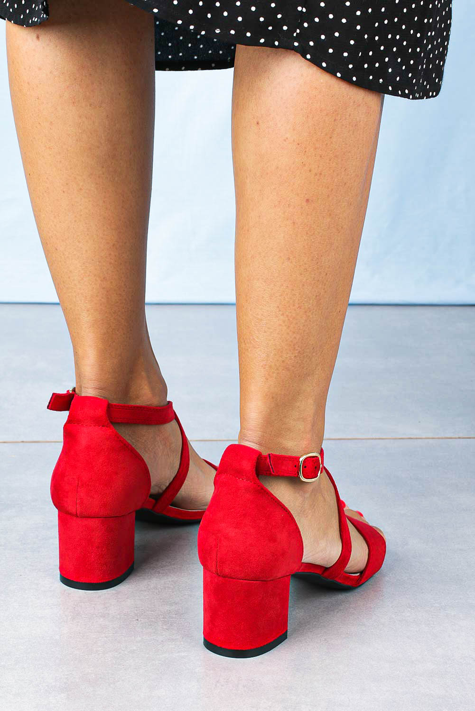 Sandały Sergio Leone na niskim obcasie z zakrytą piętą z paskami na krzyż czerwone SK837 czerwony