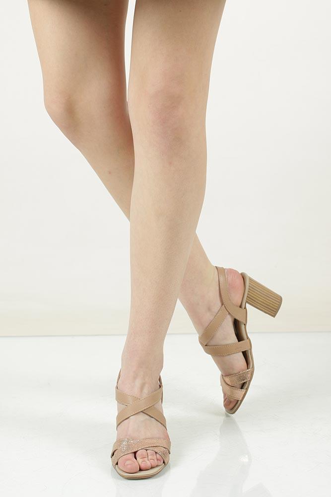 Sandały skórzane na słupku Tamaris 1-28011-38 model 1-28011-38