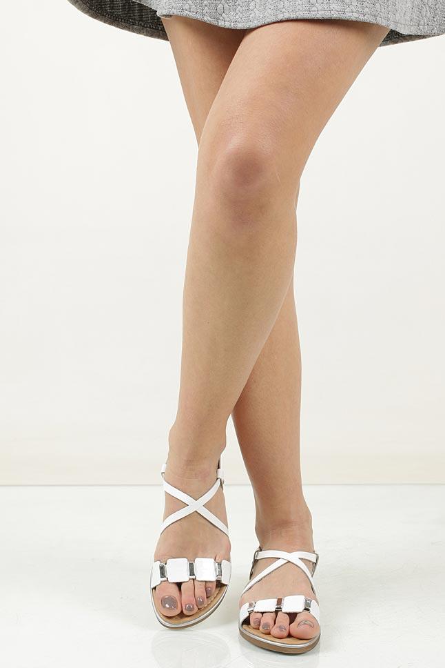 Sandały skórzane z ozdobami Marco Tozzi 2-28141-28 wierzch skóra