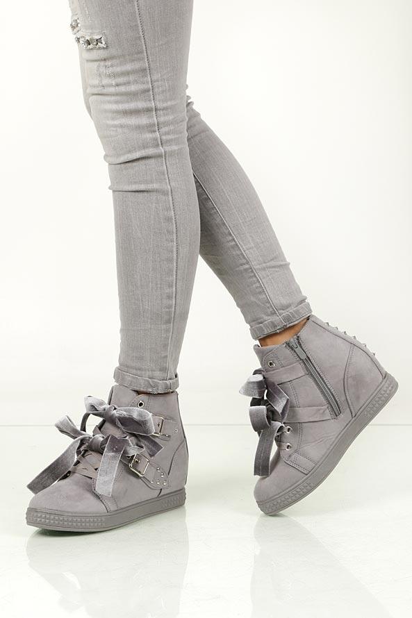 Damskie Sneakersy na koturnie wiązane z klamrami Casu 7-X8029 szary;;