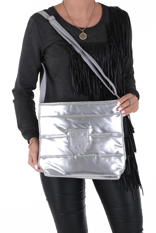Srebrna torebka listonoszka lakierowana pikowana Casu 912