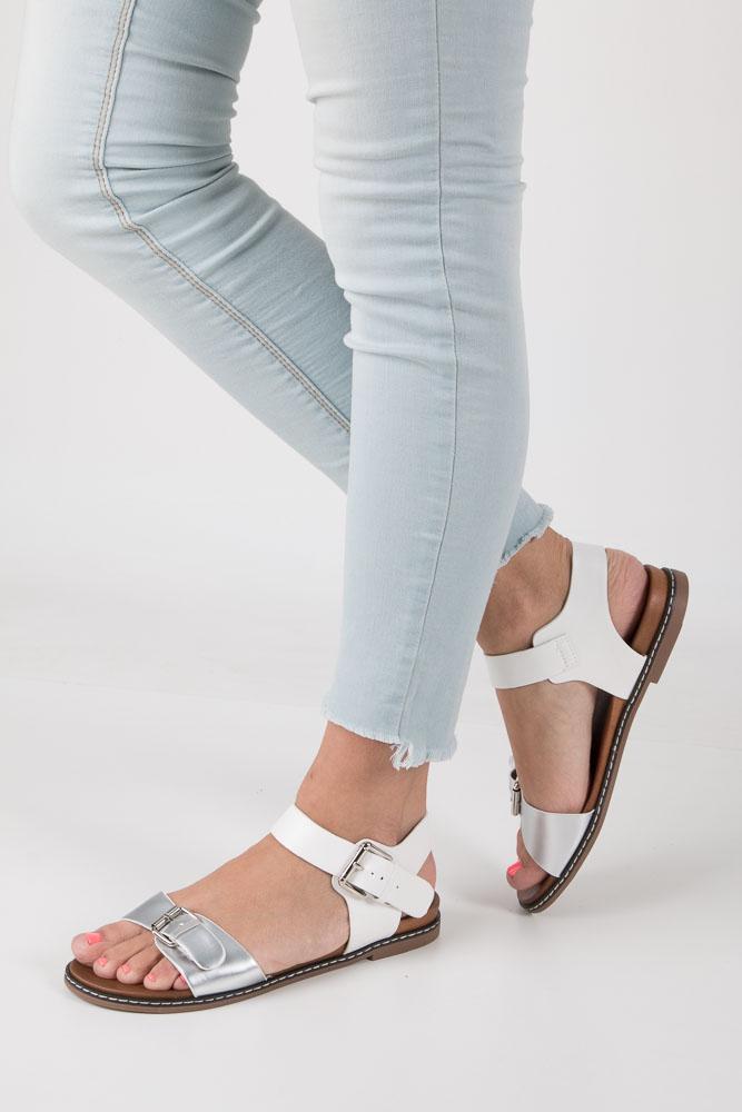 Srebrne modne sandały ze srebrnymi klamrami Casu K18X12/S