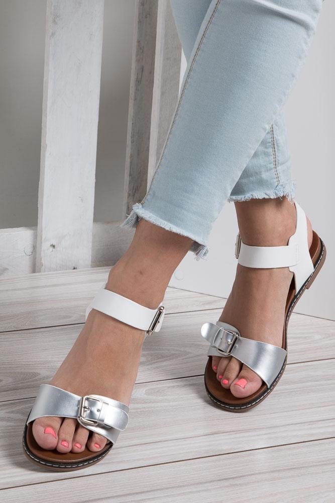 e911ef11 ... Srebrne modne sandały ze srebrnymi klamrami Casu K18X12/S wkladka skóra  ekologiczna. » «