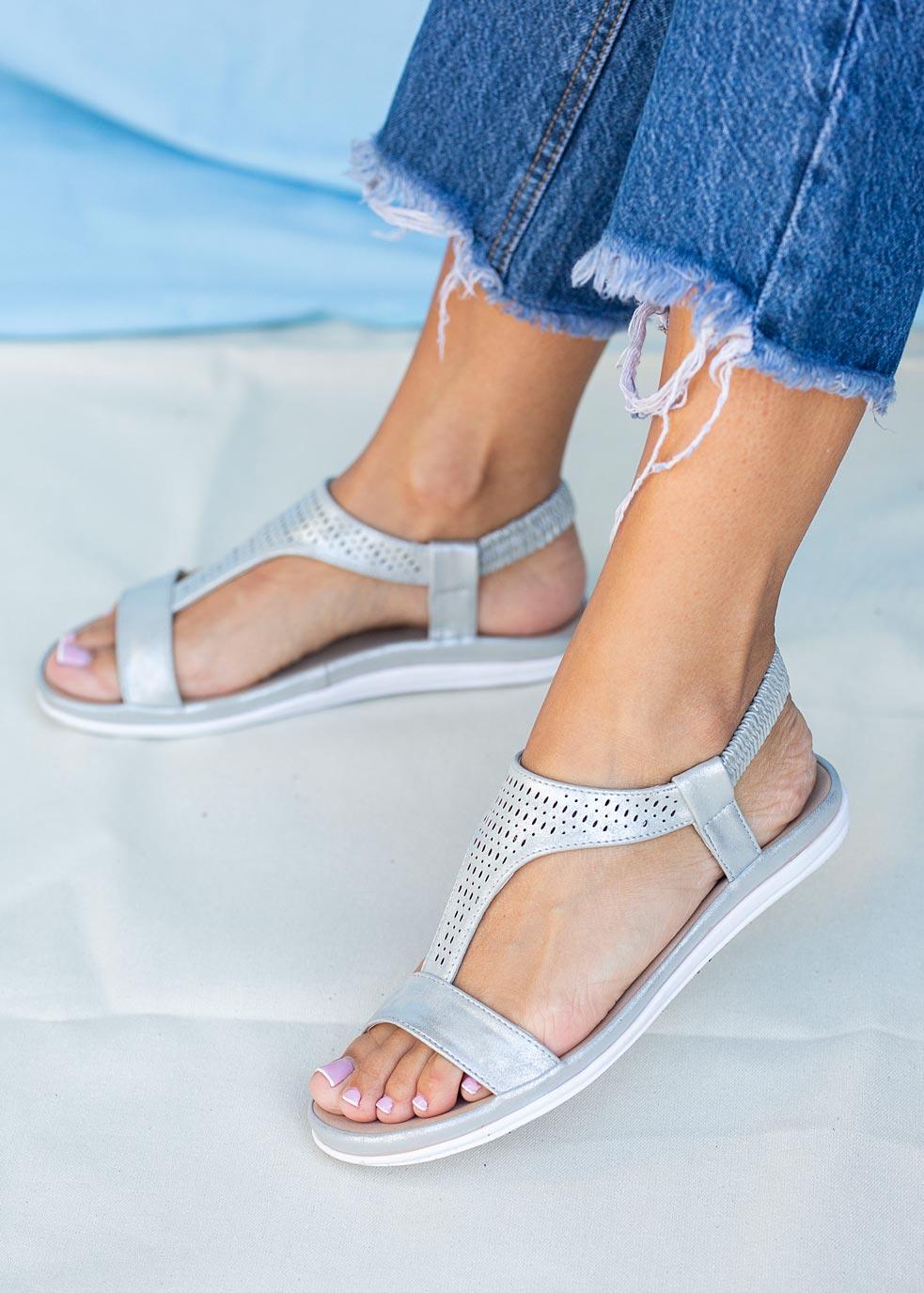 Srebrne sandały ażurowe płaskie z gumką Casu N20X1/S producent Casu