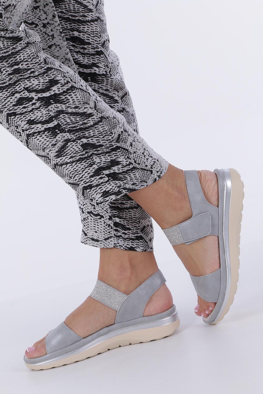Srebrne sandały płaskie na rzepy z brokatową gumką Casu W19X9/G kolor srebrny, szary