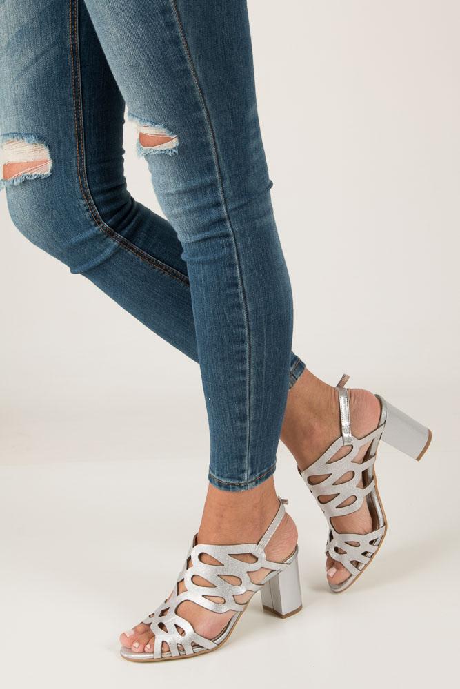 70de626ae86b2 ... Srebrne sandały skórzane zabudowane ażurowe na obcasie Kordel 1684  model 1684 ...