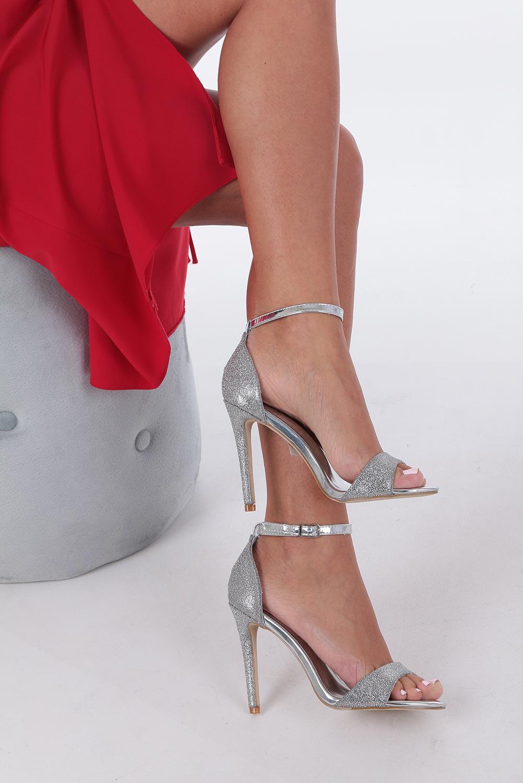 Srebrne sandały szpilki karnawałowe brokatowe z paskiem wokół kostki Casu