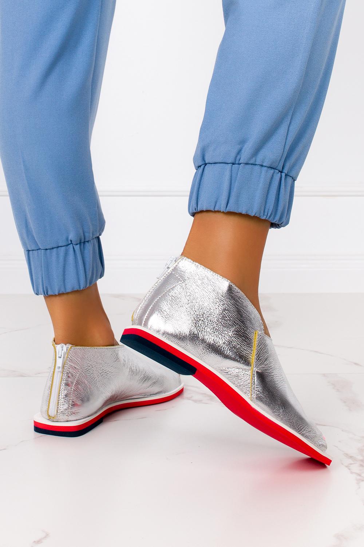 Srebrne sandały zabudowane błyszczące z zamkiem na pięcie polska skóra Casu 4080 srebrny