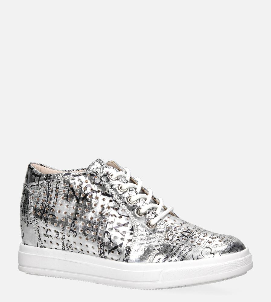 Srebrne sneakersy Jezzi ażurowe błyszczące na ukrytym koturnie sznurowane ASA143-2
