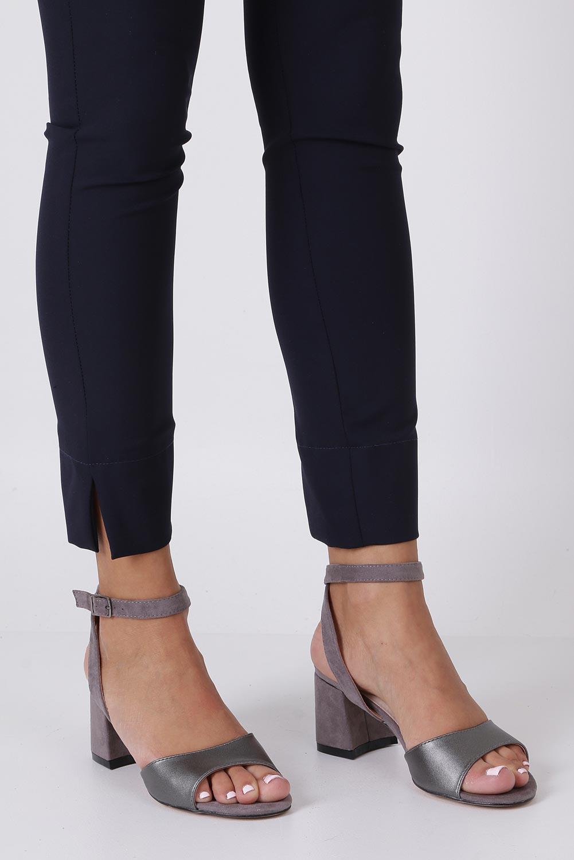 Stalowe sandały z wkładką skórzaną na szerokim obcasie z paskiem wokół kostki Casu N19X5/PEG