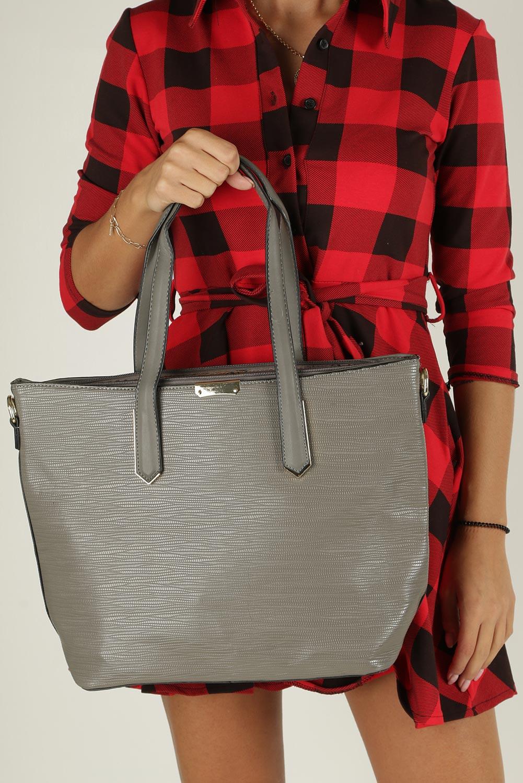 Szara torebka z metalową ozdobą Casu D-901