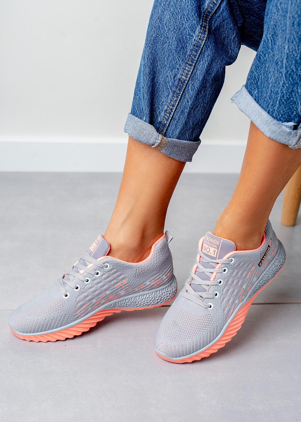 Szare buty sportowe sznurowane Casu 3088 szary