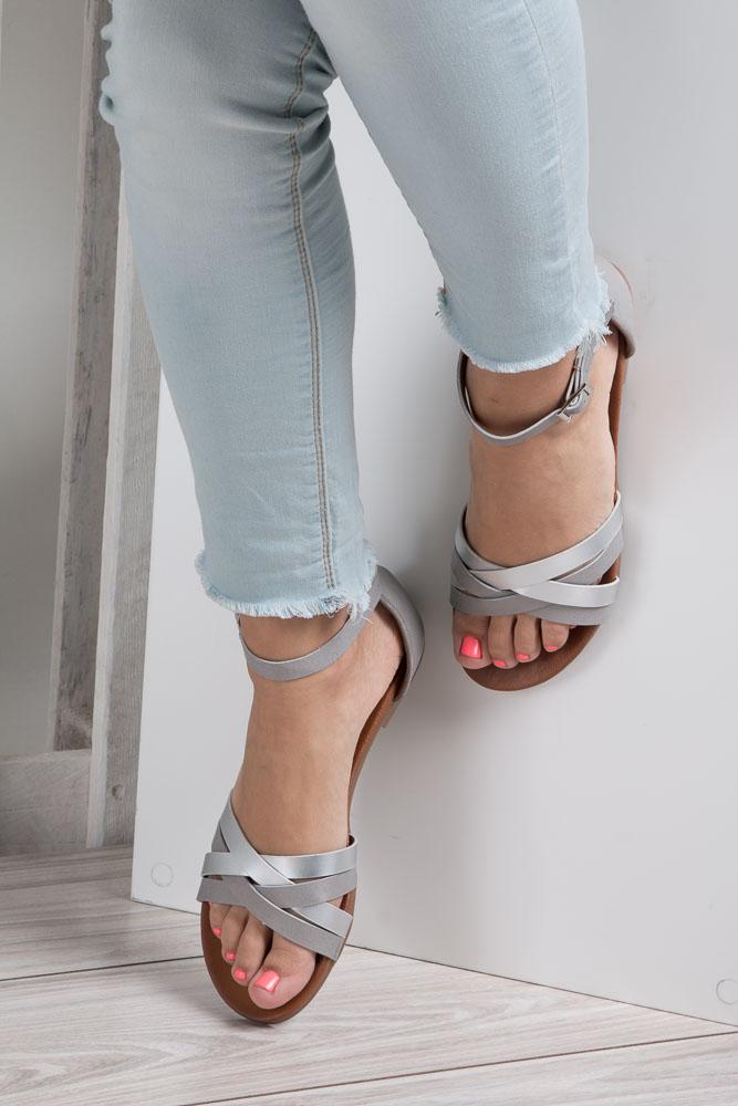Szare eleganckie sandały z zakrytą piętą Casu K18X9/G wnetrze skóra ekologiczna