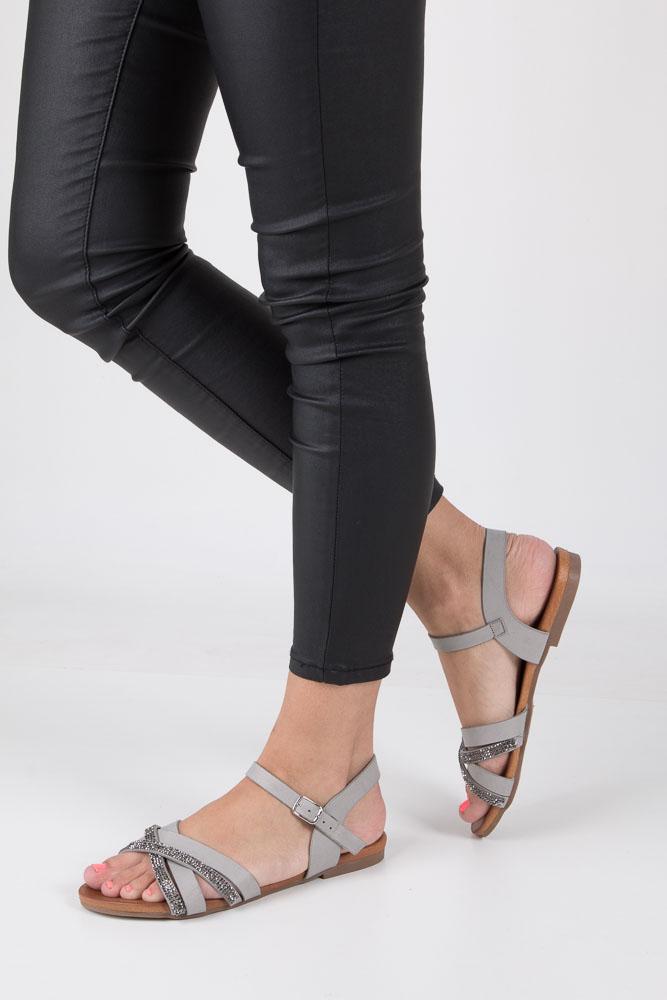 Szare lekkie sandały płaskie z mieniącymi się kryształkami Casu K18X11/G