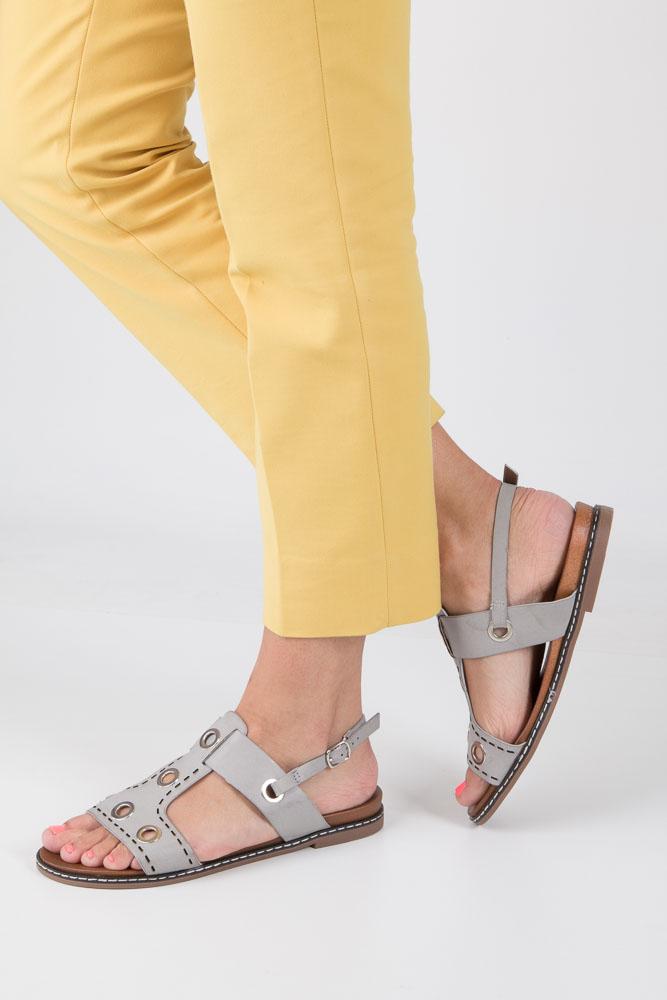 Szare modne sandały z ozdobnymi metalowymi kółkami Casu K18X2/G model K18X2/G