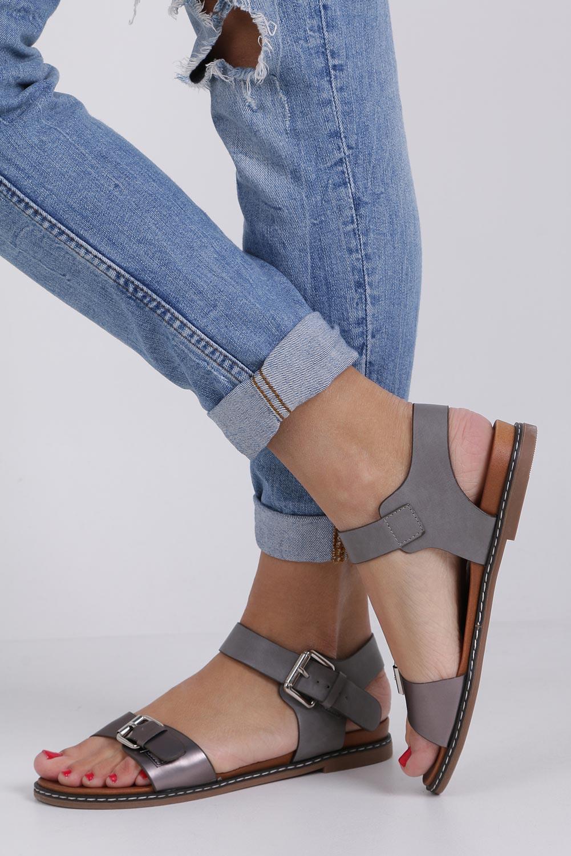 Szare modne sandały ze srebrnymi klamrami Casu K18X12/PE kolor stalowy, szary