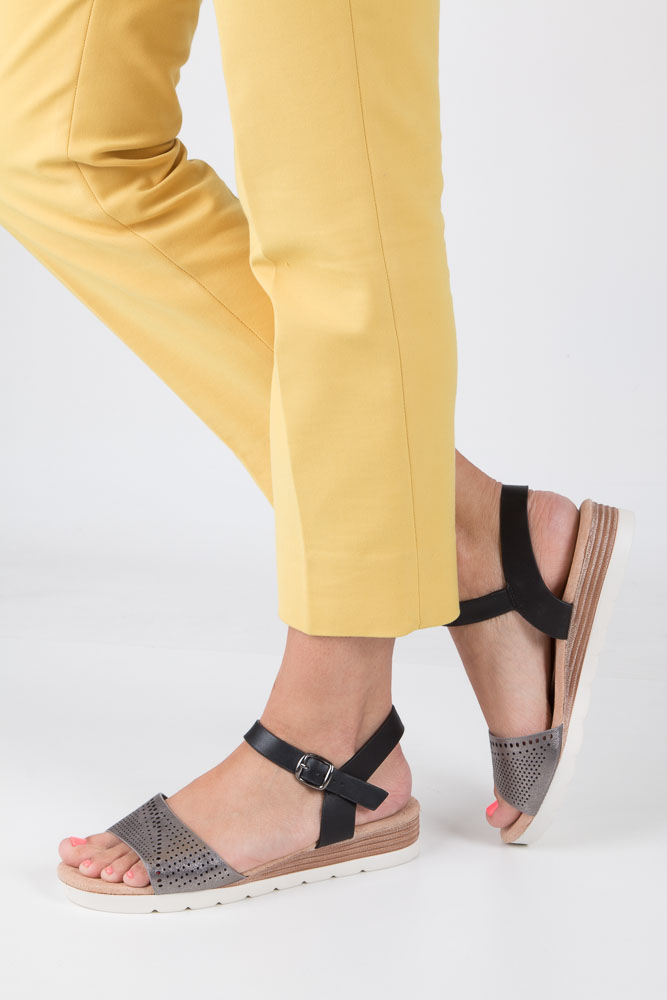 Szare sandały ażurowe na białej podeszwie ze skórzaną wkładką Casu W18X3/GB