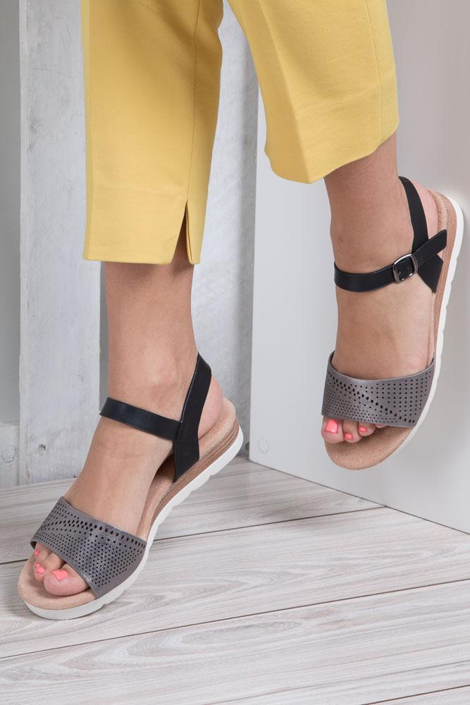 Szare sandały ażurowe na białej podeszwie ze skórzaną wkładką Casu W18X3/GB wierzch skóra ekologiczna