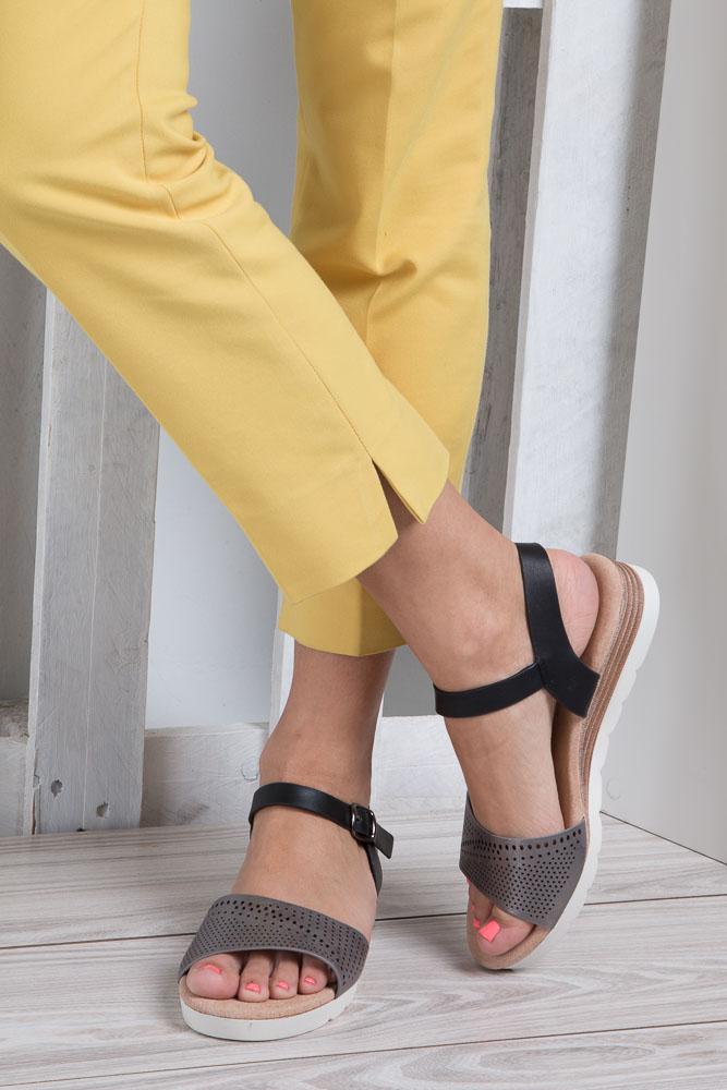 Szare sandały ażurowe na białej podeszwie ze skórzaną wkładką Casu W18X3/GB wnetrze skóra ekologiczna