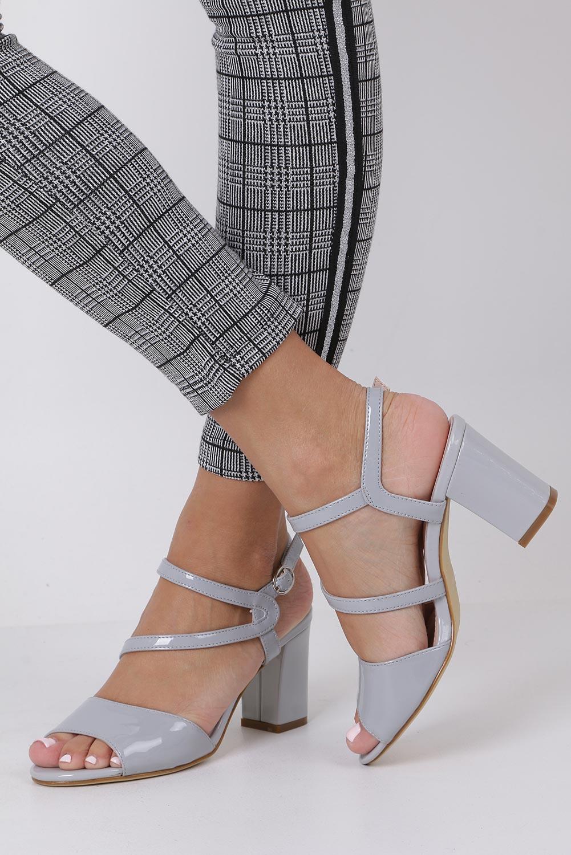 Szare sandały lakierowane na słupku Sergio Leone SK844 kolor szary