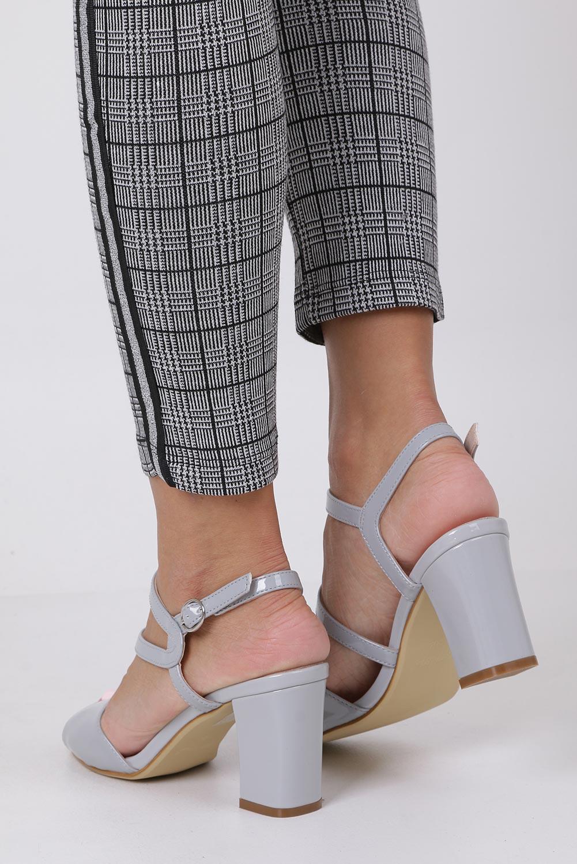 Szare sandały lakierowane na słupku Sergio Leone SK844 wysokosc_obcasa 8.5 cm