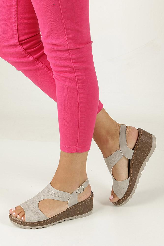 Szare sandały na koturnie S.Barski 28-S1 jasny szary
