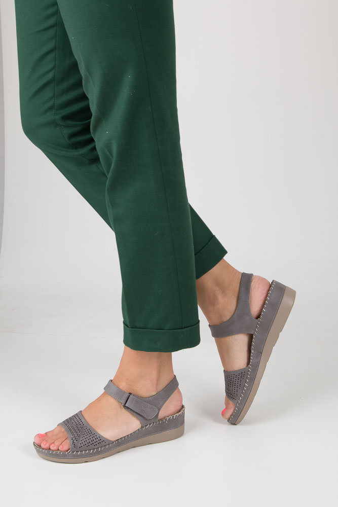 Szare sandały na koturnie S.Barski 330-3 szary
