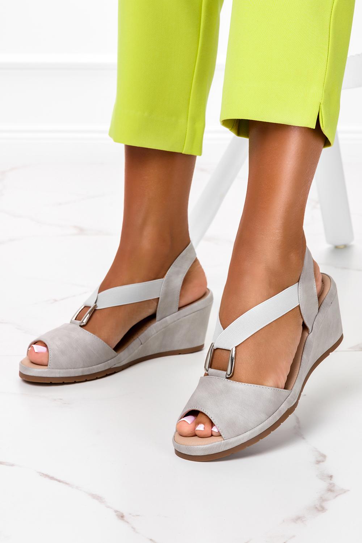Szare sandały na koturnie z gumką metalowa ozdoba Casu W19X15/G producent Casu