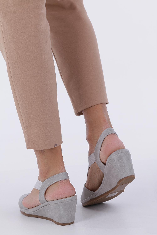 Szare sandały na koturnie z gumką metalowa ozdoba Casu W19X15/G wysokosc_obcasa 6 cm