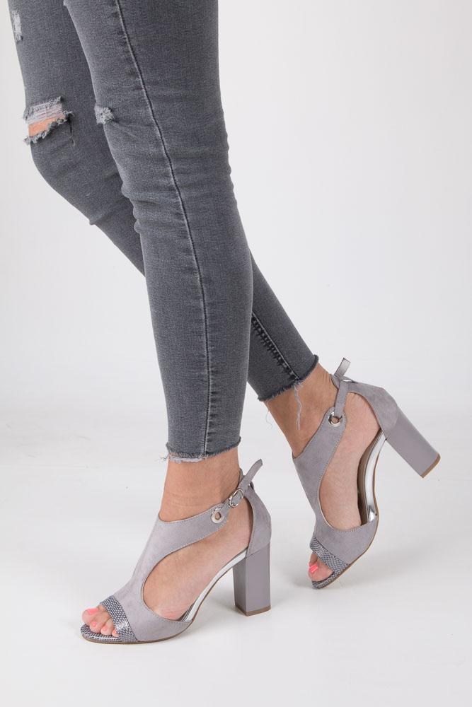 Szare sandały na obcasie Jezzi SA109-5