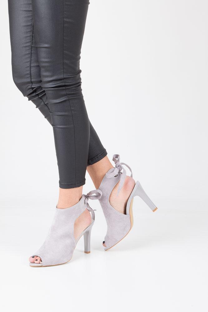 Szare sandały na obcasie z kokardą Sergio Leone 1493 model 1493