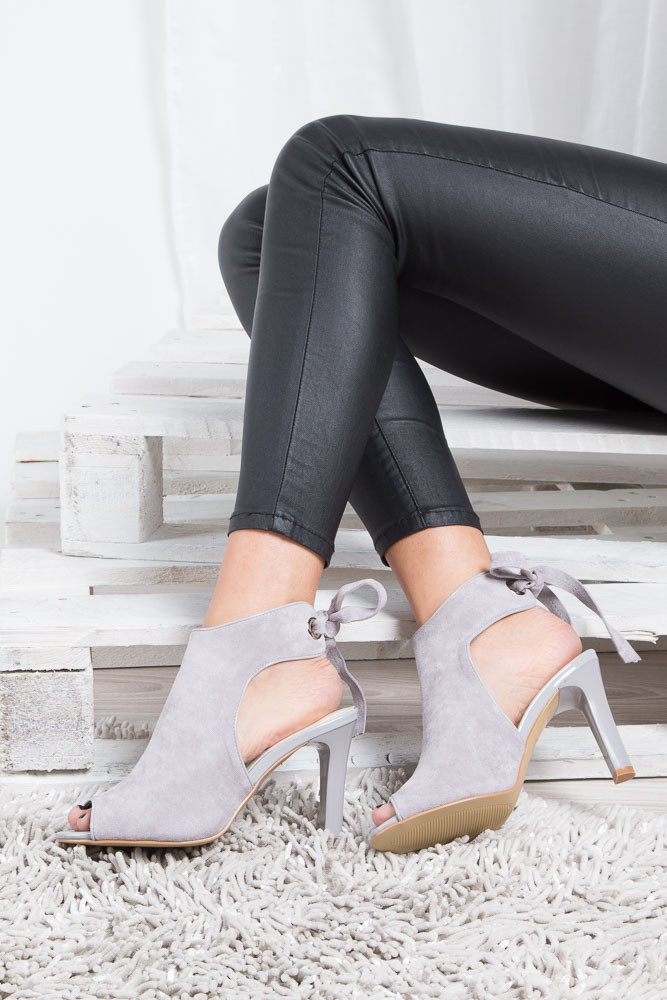 Szare sandały na obcasie z kokardą Sergio Leone 1493 wnetrze materiał/skóra ekologiczna