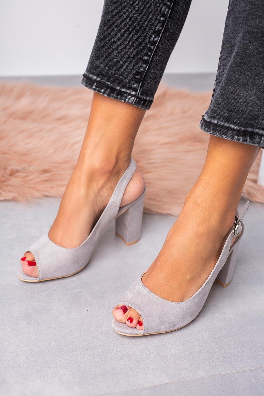 Szare sandały na słupku ze skórzaną wkładką Casu N20X4/G szary