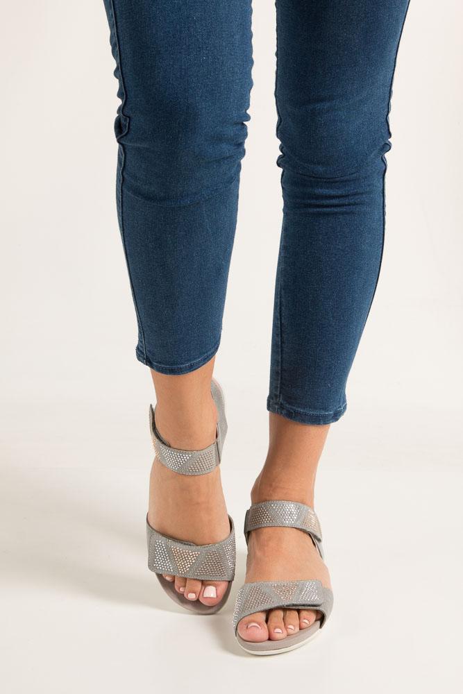 Szare sandały z nitami na rzep Rieker K2269-42 wysokosc_obcasa 3.5 cm