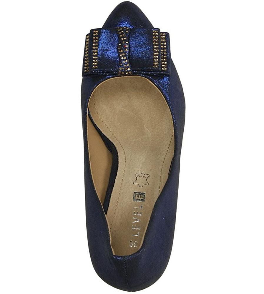 SZPILKI CASU 7CR-GL8400 kolor niebieski