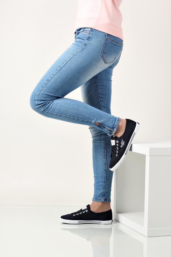 TRAMPKI PEPE JEANS PLS30001 producent Pepe Jeans